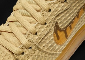 nike-sb-dunk-high-chicken-and-waffles-3